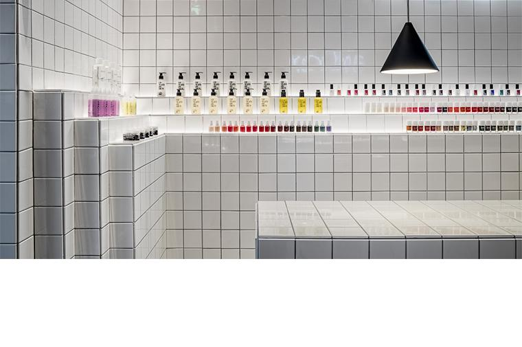 #retail #barcelona #nailbar #interiordesign #architecture ©Circular Studio